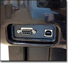 Плоттер подключается к компьютеру по USB-кабелю